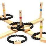 JEU DE QUILLE ET DES ANNEAUX location jeu en bois location 91-75-94-78 - NB DE JOUEURS : 2 et + - PRINCIPE : lancer les anneaux sur les quilles numérotées pour faire un maximum de points - DIMENSION : 41 x 41 cm
